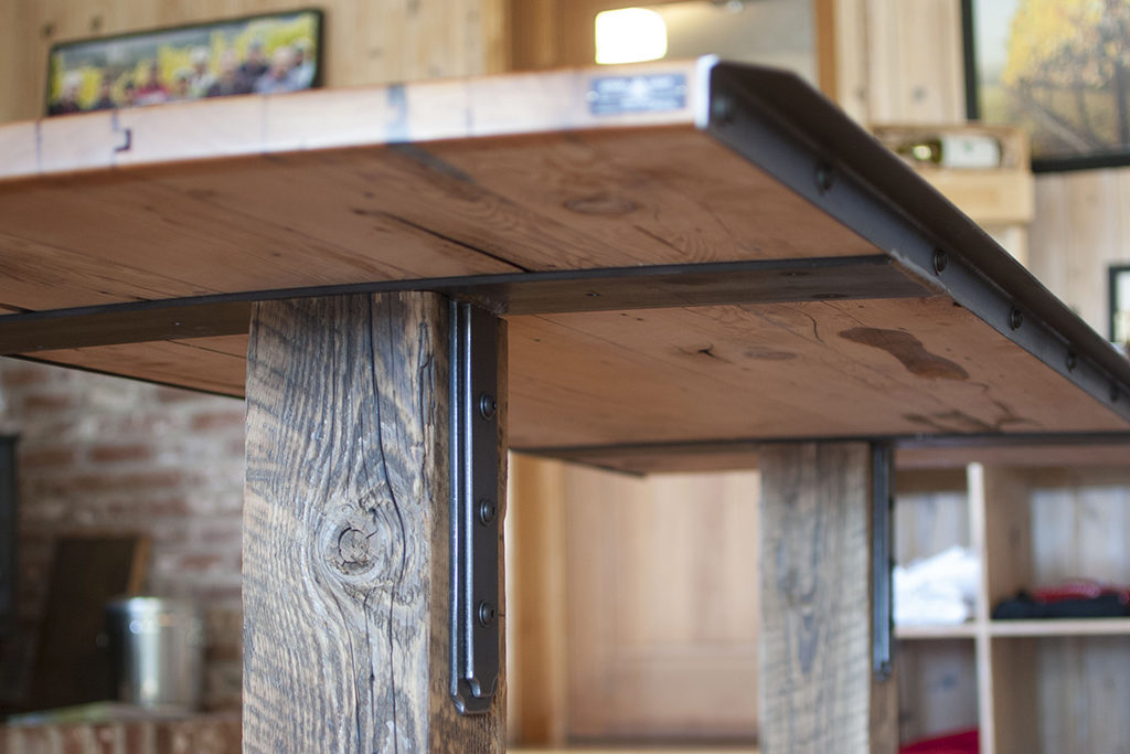 Custom Table Brackets